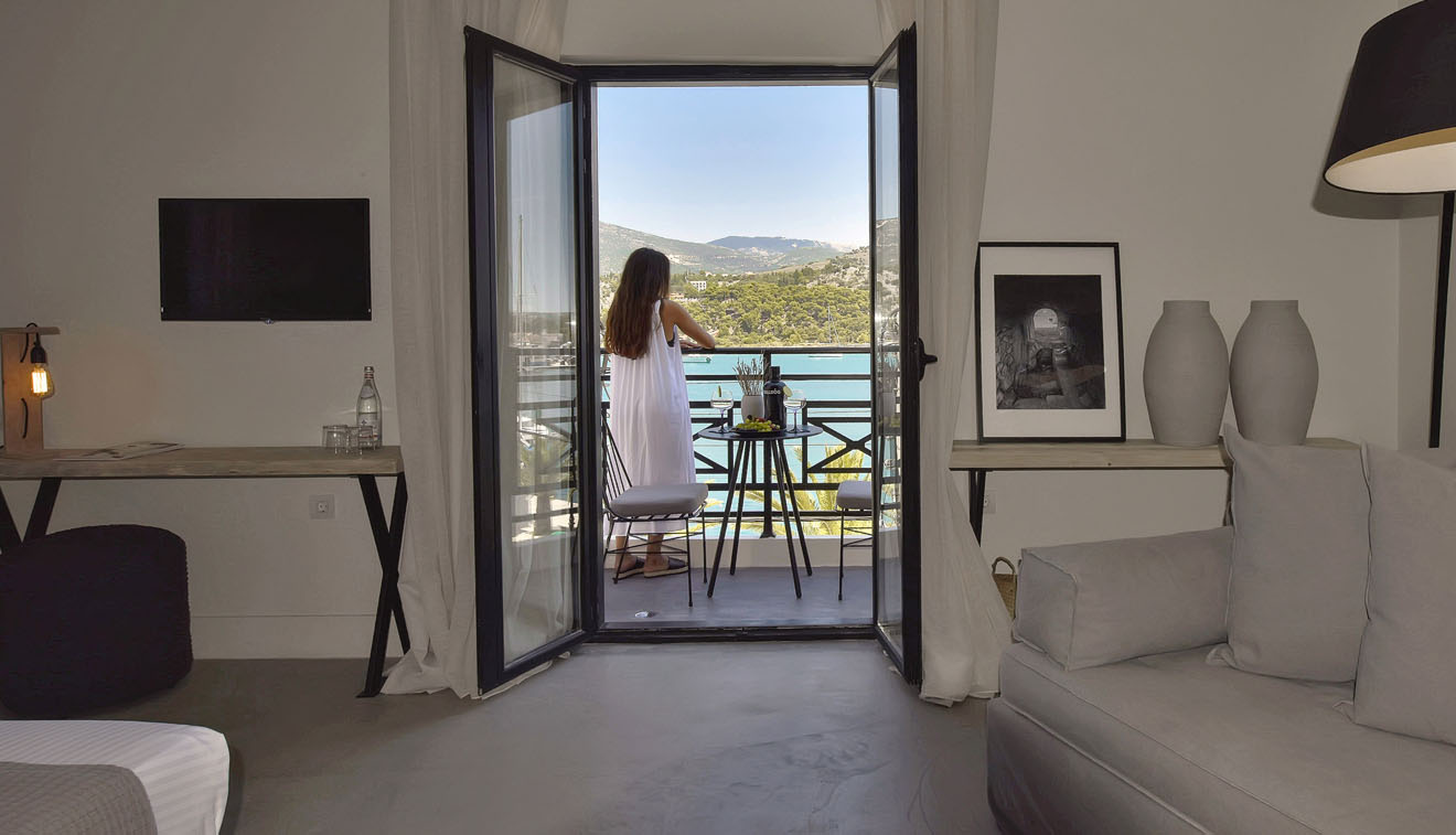 Boutique-Hotel-Kefalonia-grand-Suite-with-Sea-View-3